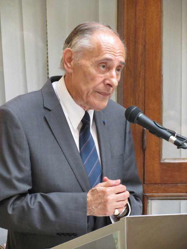 Charles Magro